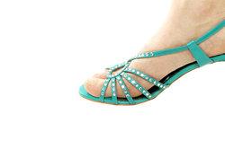 Ein Blickfang im Sommer - gepflegte Füße in Sandalen.