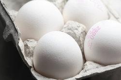 Die Betriebsnummer befindet sich auf den Eiern und besteht aus drei Teilen.