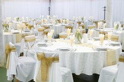 Auch eine Feier zum Ehejubiläum kann man unterhaltsam gestalten.