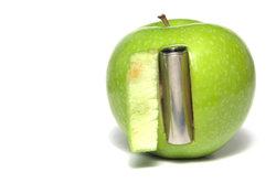 Steckt eine Batterie im Apfel?
