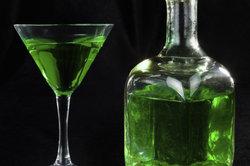 Meist ist Absinth leuchtend grün, muss es aber nicht sein.