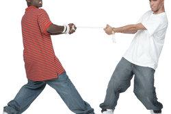 Baggy Pants waren anfangs vor allem in der Hip-Hop-Szene beliebt.