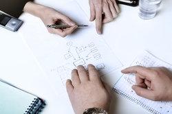 Bei Projekten arbeiten Firmen häufig zusammen.