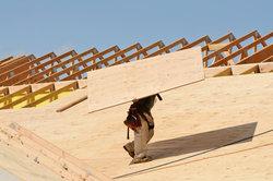 Die Kosten für einen Dachstuhl variieren.