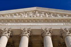 Die Definition der Rechtswegegarantie räumt dem Bürger mehrere Rechte ein.
