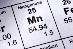 Dem Element Mangan kommen 7 Valenzelektronen zu.