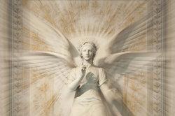 Der Schutzengel symbolisiert Liebe, Spiritualität und Wunderkraft