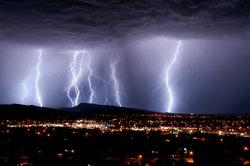 Blitze - einer der beeindruckendsten Kräfte der Natur