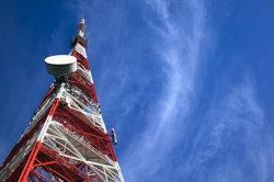 Bei modernen Antennenanlagen kommen Dipole zum Einsatz.
