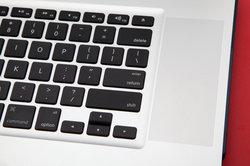 Das Mikrofon beim Mac kann mit nur wenigen Griffen ausgeschaltet werden.