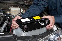 Den Austausch einer Autobatterie können Sie auch selbst vornehmen.