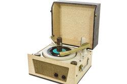 Feiern Sie mit Musik der 60er Jahre.