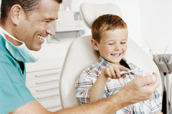 Auch bei Kindern kann das Kieferknacken vorkommen.