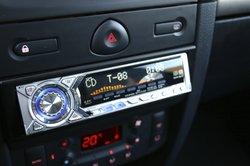 Das Radio im Golf 4 können Sie bei Bedarf wechseln.