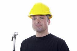 Verstöße gegen Unfallverhütungsvorschriften werden bei Feststellung geahndet.