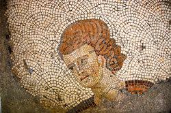 Aufwändige Mosaike zierten die Wände in antiken römischen Wohnräumen.