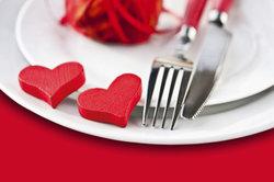 Gestalten Sie Ihre Rede zum Ehejubiläum aufrichtig und von Herzen.