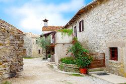 Beim Kauf einer Immobilie in Kroatien ist einiges zu beachten.