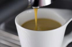 Kaffeemaschinen sollten regelmäßig gereinigt werden.