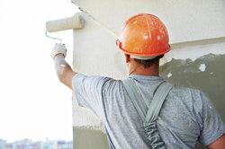 Die Kosten für den neuen Farbanstrich Ihres Hauses sollten Sie vorab gut kalkulieren.