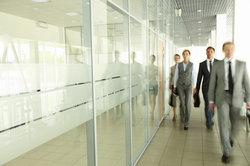 Die Leistung eines Arbeitnehmers pro Jahr stellt die Mannjahre dar.