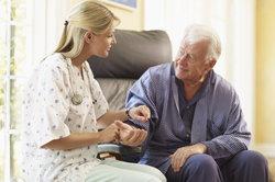 Sensibilität ist wichtig im Umgang mit alten Menschen