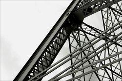 Die einzelnen Stahlsorten unterscheiden sich anhand ihrer Eigenschaften.
