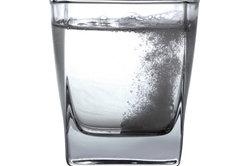 Brausetabletten sollten in Wasser gelöst werden