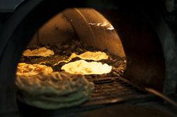 Ein heißer Stein kann im Ofen eingesetzt werden.