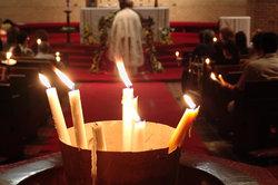 Die Konfirmation findet traditionell in der Kirche statt.