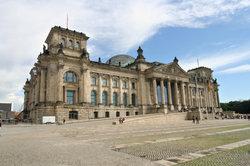 Der Bundestag wird demokratisch gewählt.