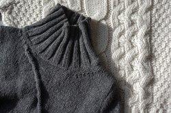 Wer Wolle zu warm gewaschen hat, kann versuchen, das Material zu retten.