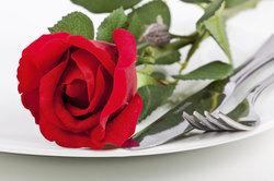 Verzehren sollten Sie nur unbehandelte Rosenblätter.