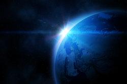 Der Erdabstand zur Sonne beträgt 1 AE.