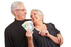 Rentner können zusätzlich zur Rente Geld hinzuverdienen.