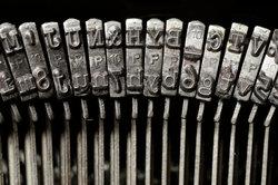 Die Schreibmaschine wurde in Südtirol erfunden. Sie war aus Holz.
