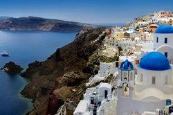 """Auf solch einer griechischen Insel spielt das Musical """"Mamma Mia"""" von ABBA."""