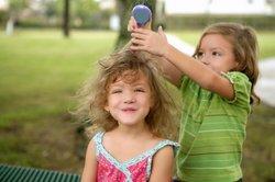 Auch Kinder brauchen gepflegte Haare.
