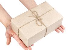 Hermes hat über 14.000 Annahmestellen, wo Sie Ihre Pakete empfangen und versenden können.