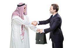 Beim Verabschieden in arabischen Ländern kommt es oft zu Missverständnissen.