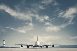 Ein Flug von Düsseldorf nach New York kann unterschiedliche Flugzeiten haben.