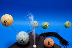 Bildhafter Zerfall exotischer Teilchen