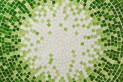 Mosaikfliesen lassen sich leichter verlegen, als es den Anschein haben mag.