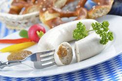Eine gute bayerische Weißwurst gibt es nicht im Supermarkt.