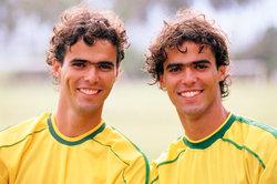 Aus Brasilien kommen immer wieder riesige Fußballtalente nach Europa.