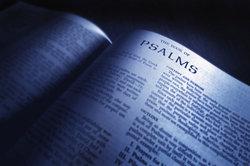 Verstexte weisen verschiedene Eigenschaften auf.