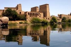 Der Nil vor altägyptischer Architektur
