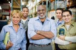 Leiharbeiter müssen oftmals andere Arbeitskleidung als festes Personal tragen.