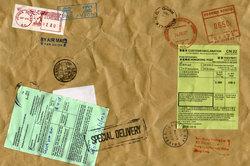 Post-Pakete werden über die DHL-Paketzentren verteilt.