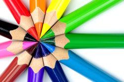 Unter anderem zählen Blau, Gelb und Rot zu den Komplementärfarben.